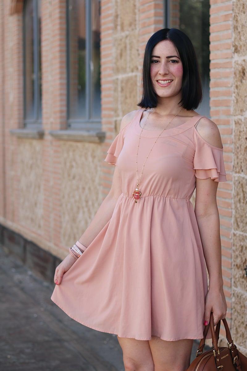 outfit-bon-ton-vestito-rosa-off-the-shoulder-gioielli-boccadamo-8