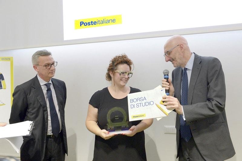 postestyle-contest-poste-italiane-divisa-portalettere-vincitrice-beatrice-bazzano-1