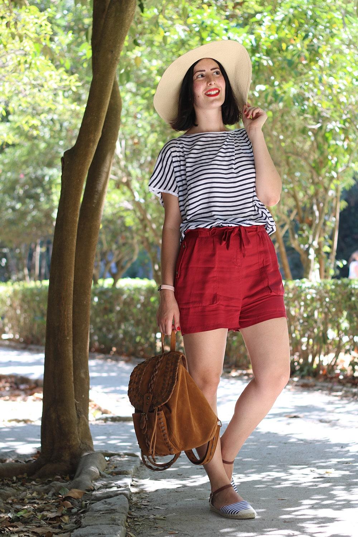 outfit estivo da turista stile marinaro