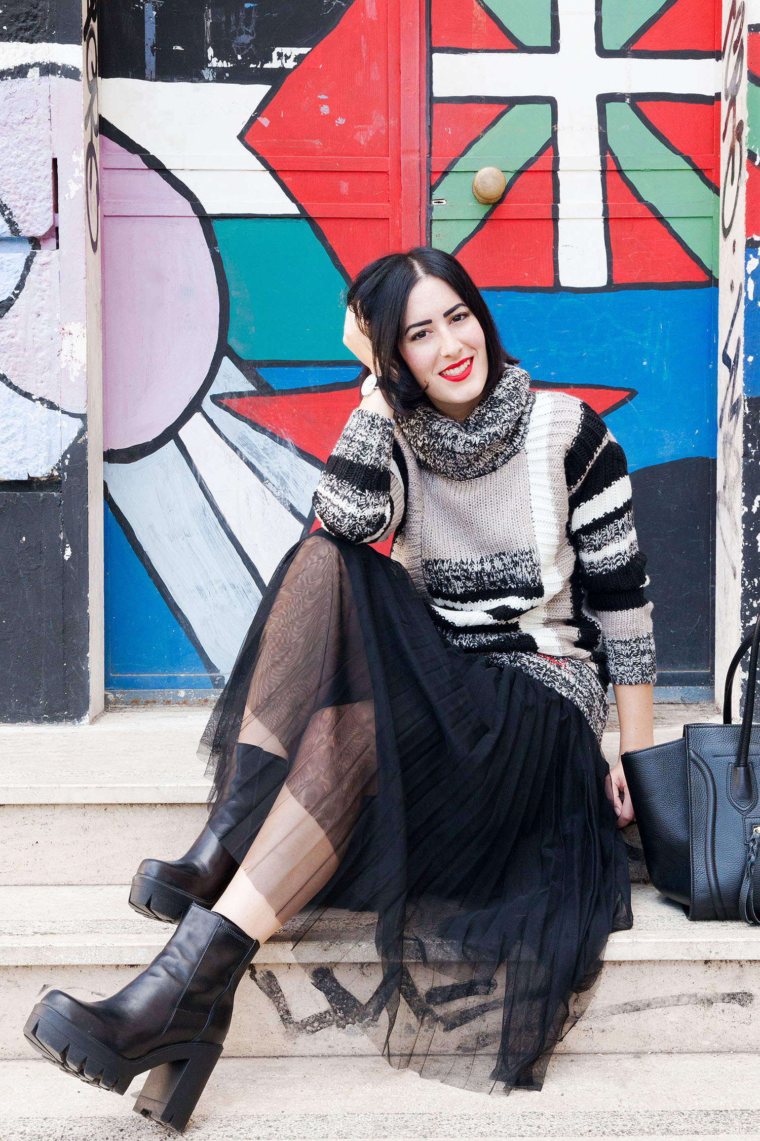 outfit-stile-urban-maglione-desigual-gonna-tulle-2