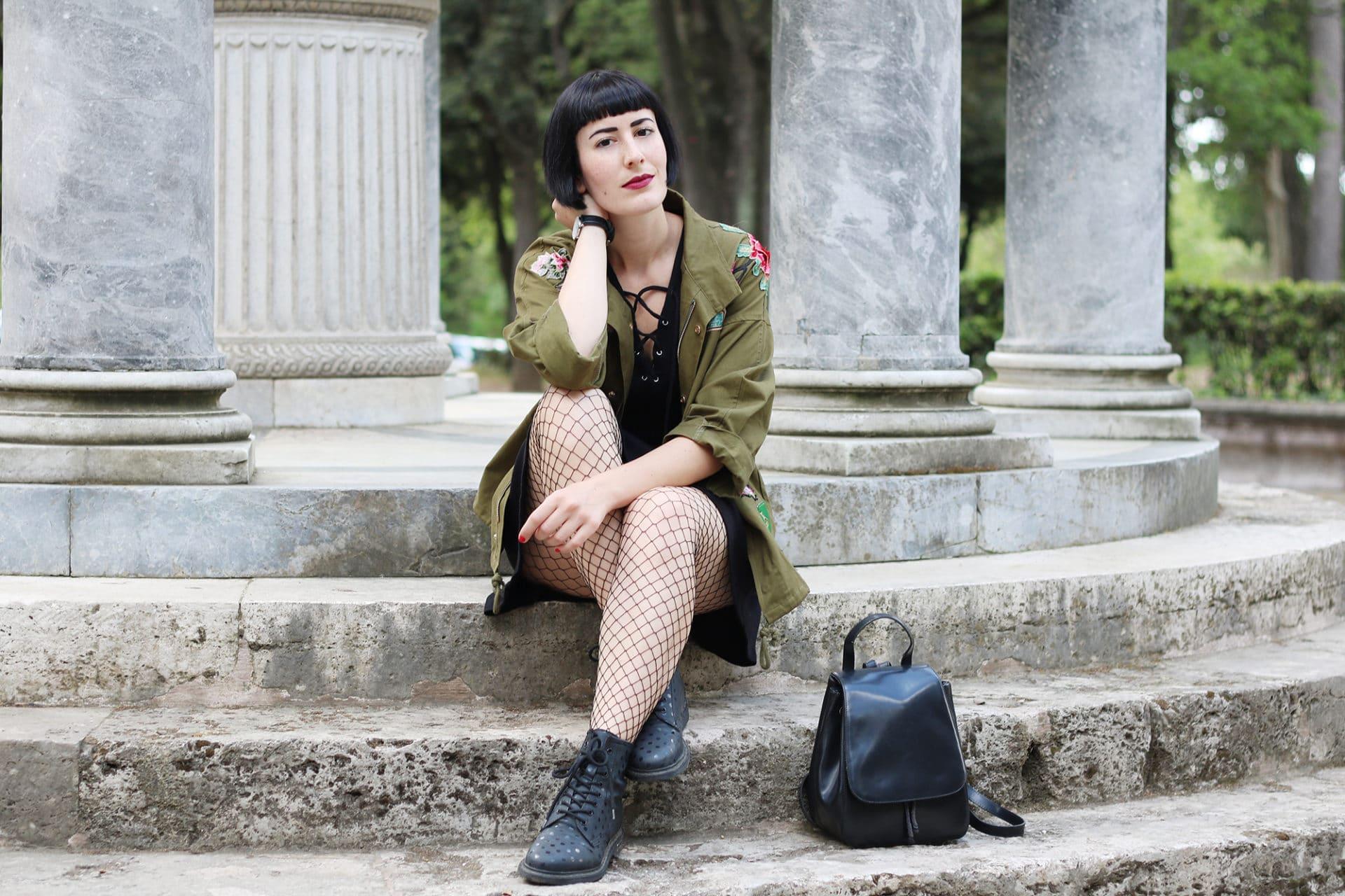 llittle black dress calze a rete parka