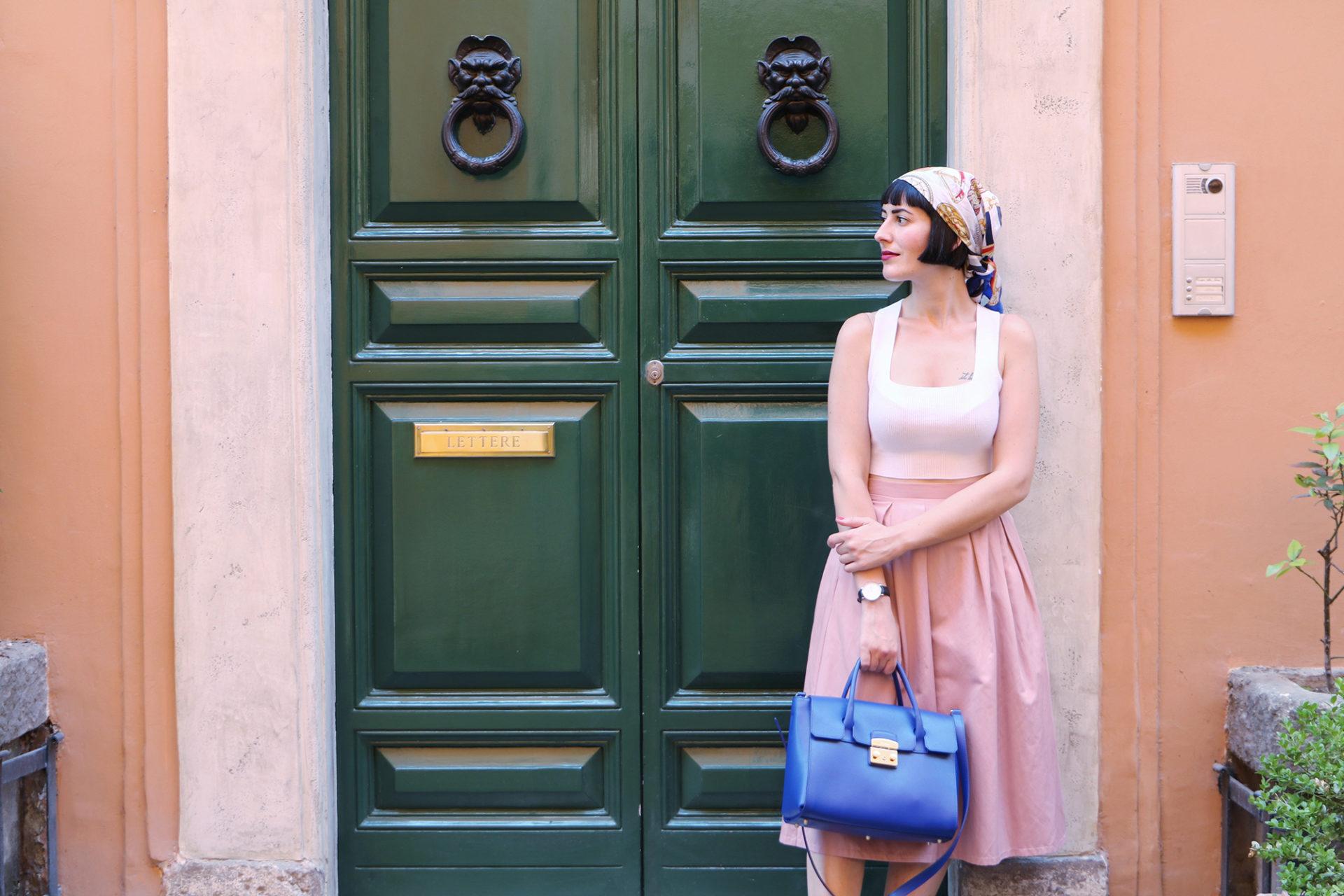 210bf9c0ae6 COSA INDOSSAVO Gonna – Stradivarius Borsa – Furla Foulard – Vintage Scarpe  – Adidas (prese su JD Sports)