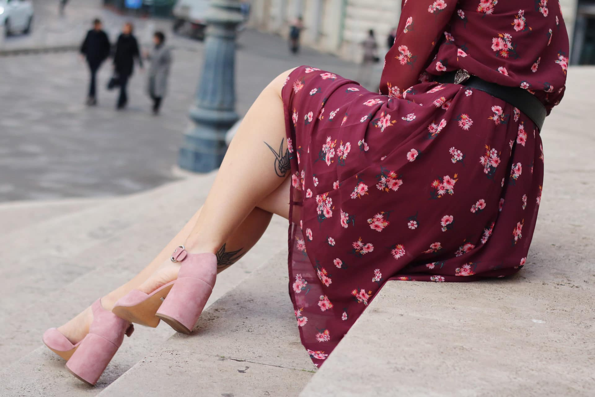 Come valorizzare i tatuaggi con l'abbigliamento giusto