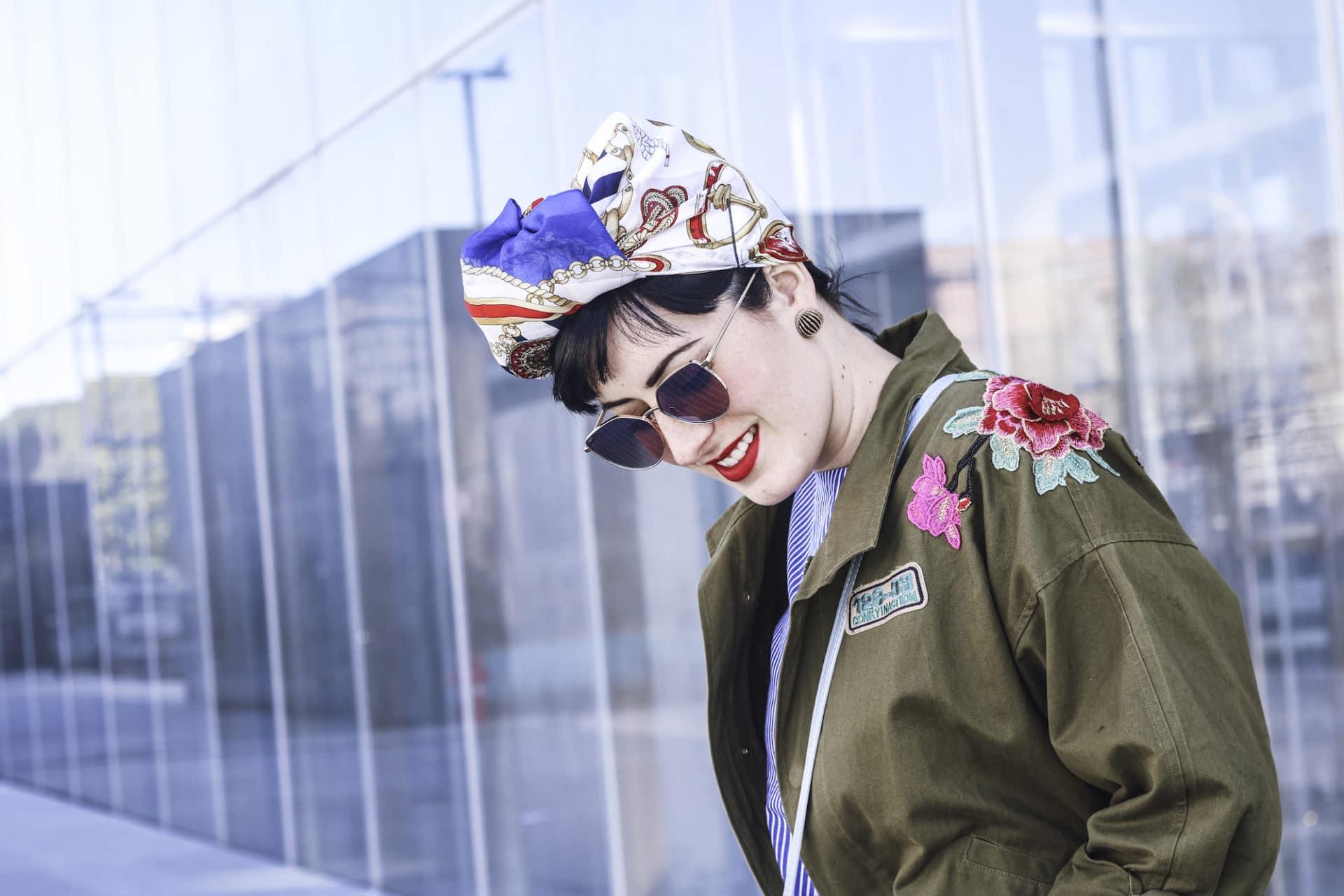 outfit casual con turbante