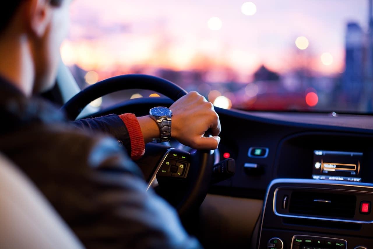 viaggiare in auto volante