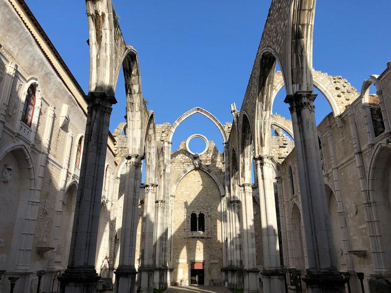 Cosa vedere a Lisbona chiesa do carmo