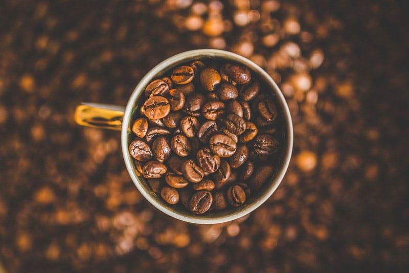 Proprietà e benefici del caffè