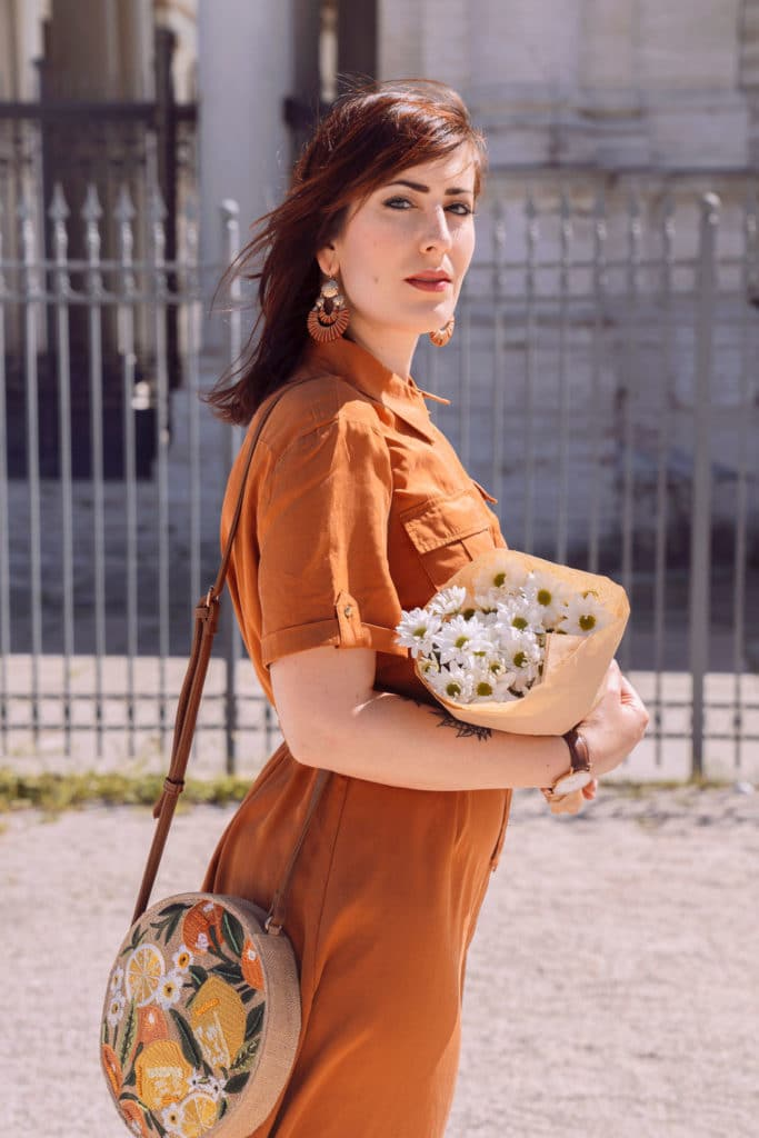 abito sahariano in stile Urban Safari con borsa rotonda Accessorize