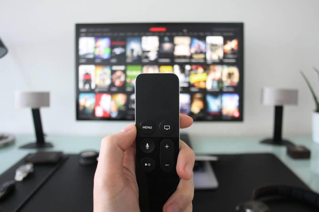 Televisore con serie tv Netflix
