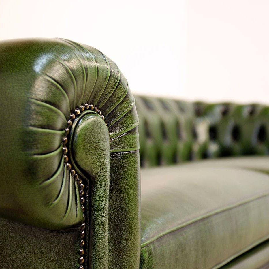 Divano Chesterfield vintage in pelle verde stile inglese