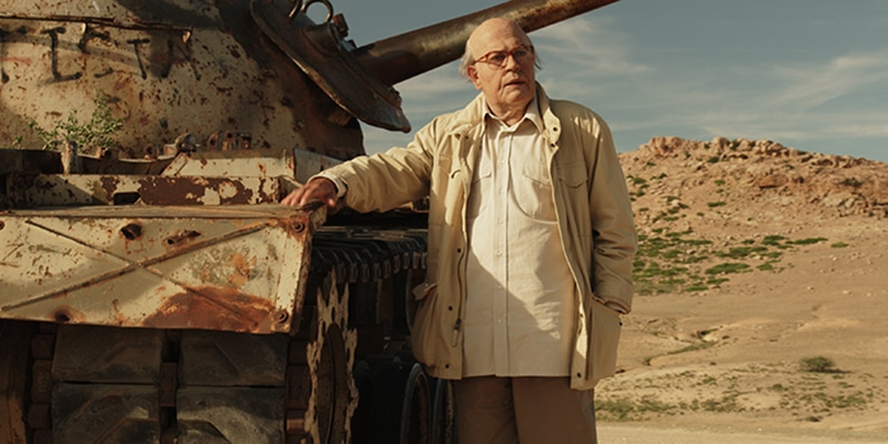 Pierfrancesco Favino interpreta Craxi in una scena del film Hammamet