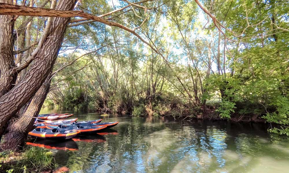 Punto di partenza con la canoa sul fiume Tirino
