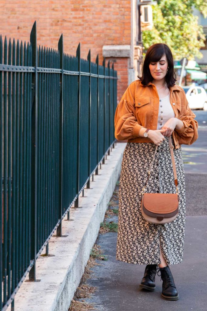 outfit autunnale con gonna second hand