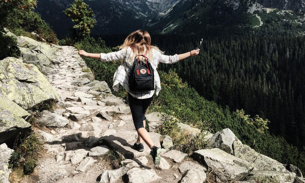 abbigliamento tecnico per trekking in montagna
